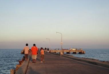 หนีน้ำ เที่ยวหัวหิน ตอนที่7 ร้านกาแฟเจ๊กเปี๊ยะ ตลาดฉัตรไชย สะพานปลาหัวหิน
